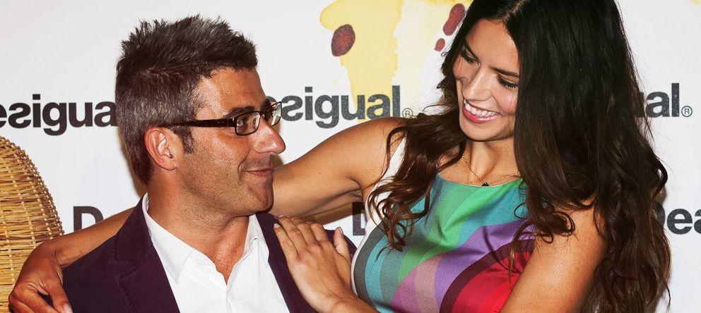 Foto: El director general de Desigual, Manuel Jadraque, y la modelo Adriana Lima.