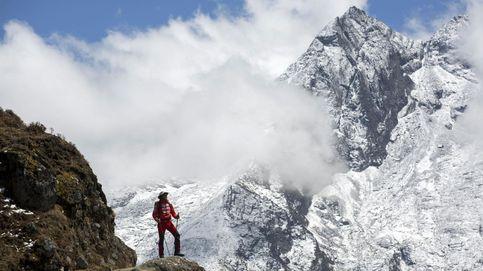 La Policía india expulsa a una pareja que se inventó el ascenso al Everest