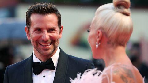 Bradley Cooper, impactado con el vestido de Lady Gaga en Venecia (nosotros también)