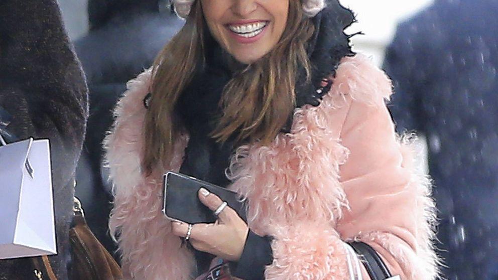 Paula Echevarría: sonrisa y un look 'millennial pink' en mitad de la tormenta