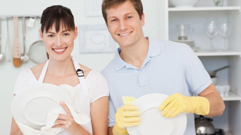 Compartir las tareas del hogar, el mejor camino hacia el divorcio