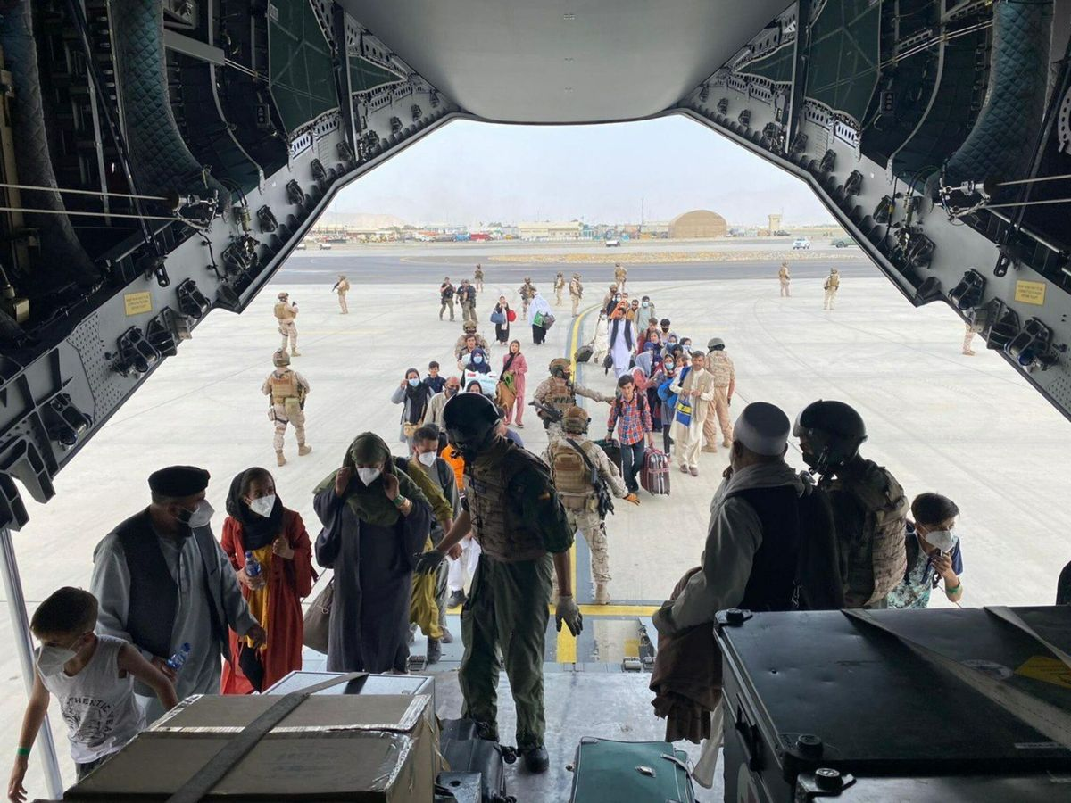 Foto: El primer avión para evacuar españoles y afganos despega de Kabul. (Ministerio de Defensa)