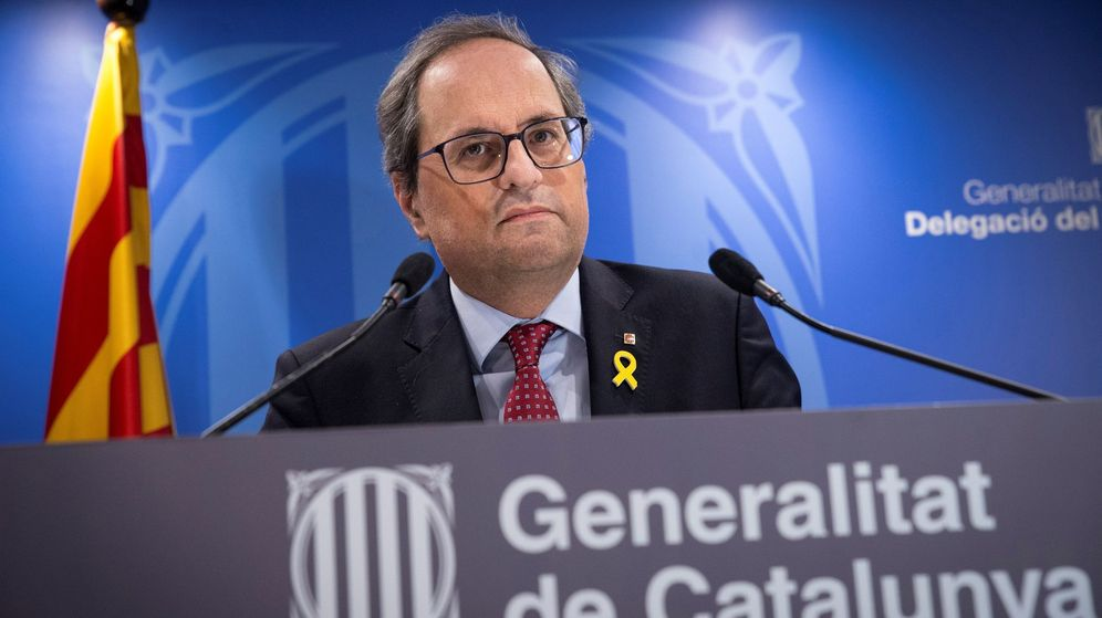 Foto: El presidente de la Generalitat, Quim Torra, durante la comparecencia ante los medios tras finalizar la primera jornada del juicio del 1-O. (EFE)
