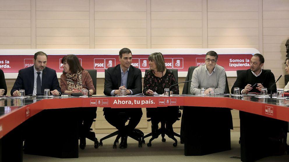 El PSOE pone líneas a Rajoy en financiación: llegar al 5% en educación y al 7% en sanidad