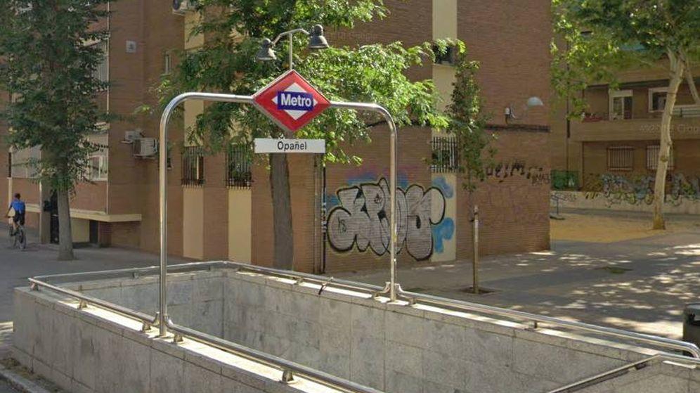 Foto: Salida del metro de Opañel, donde el agresor abordaba a sus víctimas