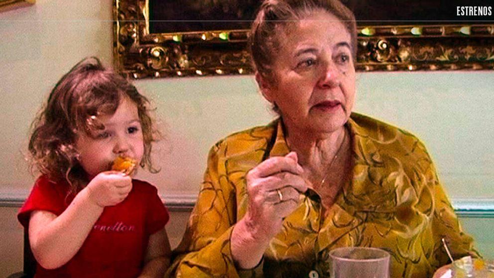'Muchos hijos, un mono y un castillo': la loca historia de una excéntrica madre española