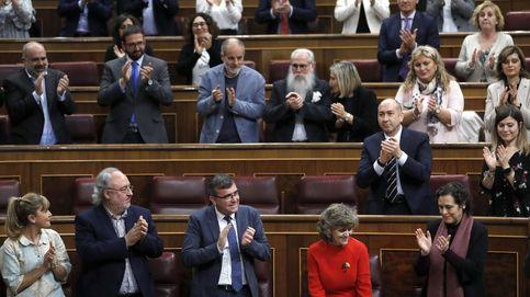 PSOE y Podemos monopolizan el debate parlamentario con el plácet del Gobierno