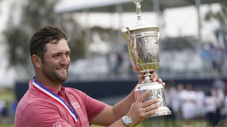 Jon Rahm, la semana pasada, con su trofeo del U.S. Open. (REUTERS)