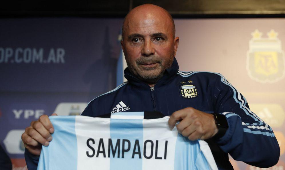Foto: Jorge Sampaoli, con la camiseta de Argentina. (EFE)
