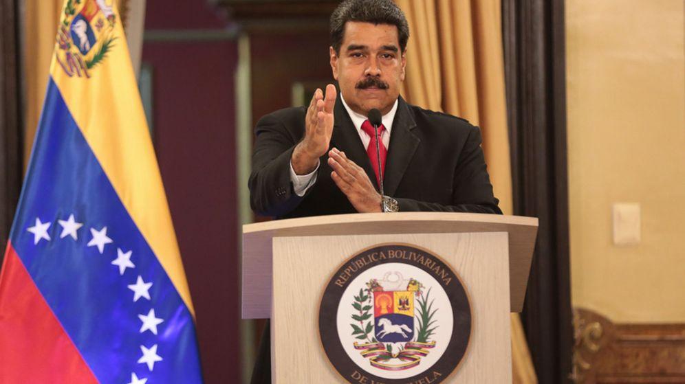 Foto: Nicolás Maduro, ofreciendo declaraciones a la prensa tras el incidente del sábado. (EFE)