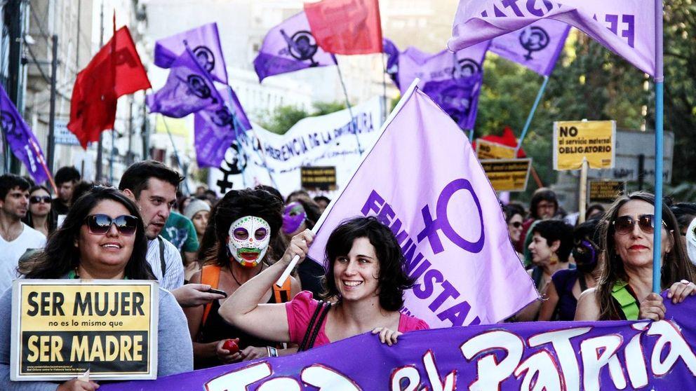 Cinco bulos que verás en  internet sobre mujeres y feminismo: cómo combatirlos