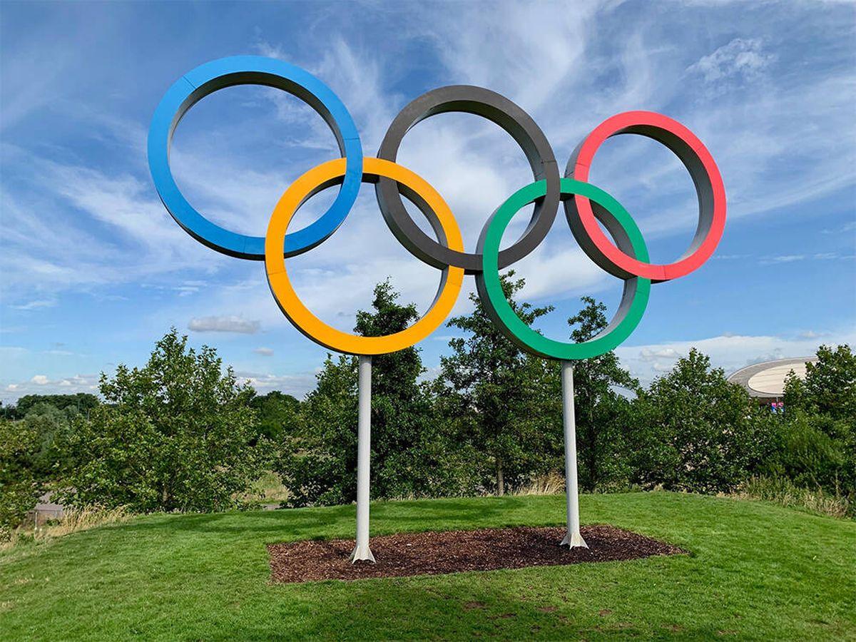 Foto: Cinco objetos con los que disfrutarás viendo las Olimpiadas de Tokio este verano (Kyle Dias para Unsplash)