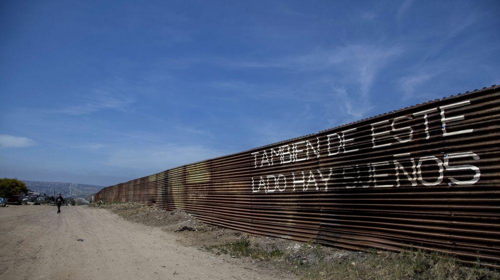 Foto: Vista de la valla que delimita el territorio mexicano y estadounidense. (EFE)