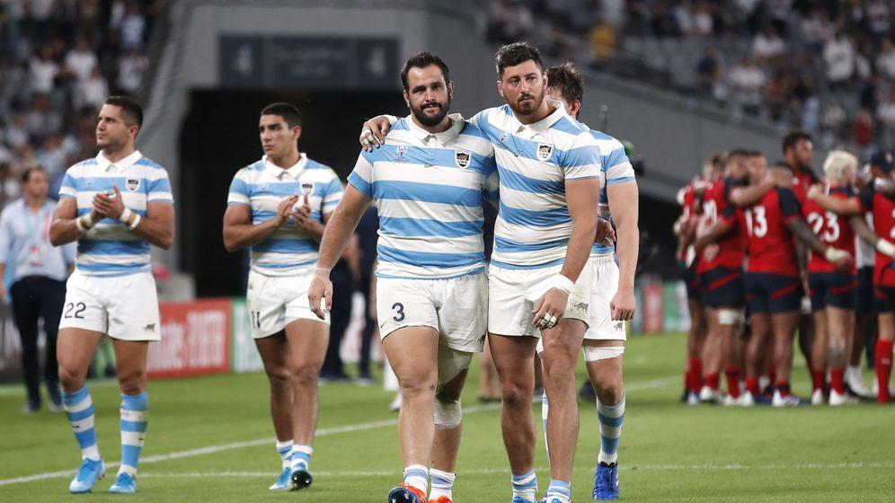 Foto: La Selección argentina, desolada tras caer del Mundial apeada por Inglaterra. (Reuters)