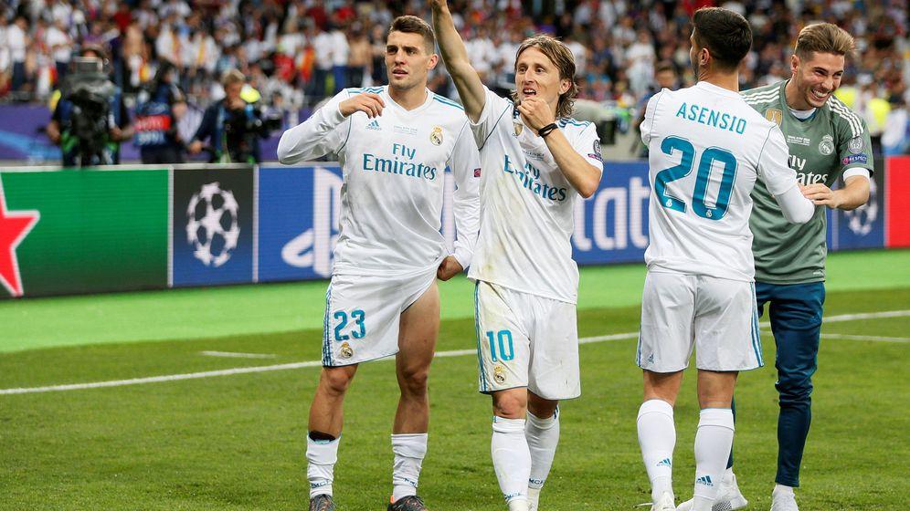 Foto: Kovacic y Modric con la camiseta del Madrid. (Reuters)