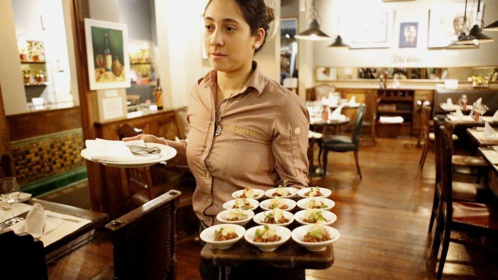 Foto: La hostelería engloba muchos trabajos de media jornada. Foto: EFE Alejandro Prieto