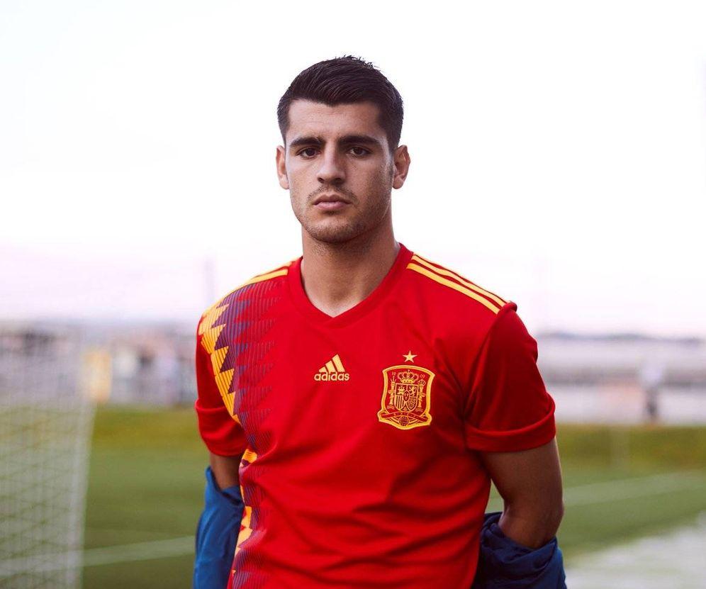 Foto  La nueva camiseta  republicana  con la que España jugará el Mundial de a43b9de8553fd