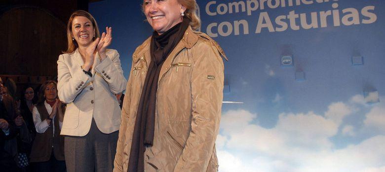 Foto: La secretaria general del PP, María Dolores de Cospedal, y la presidenta del PP asturiano, Mercedes Fernández. (EFE)