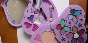 Post de Retiran de las tiendas un kit infantil de maquillaje por contener amianto