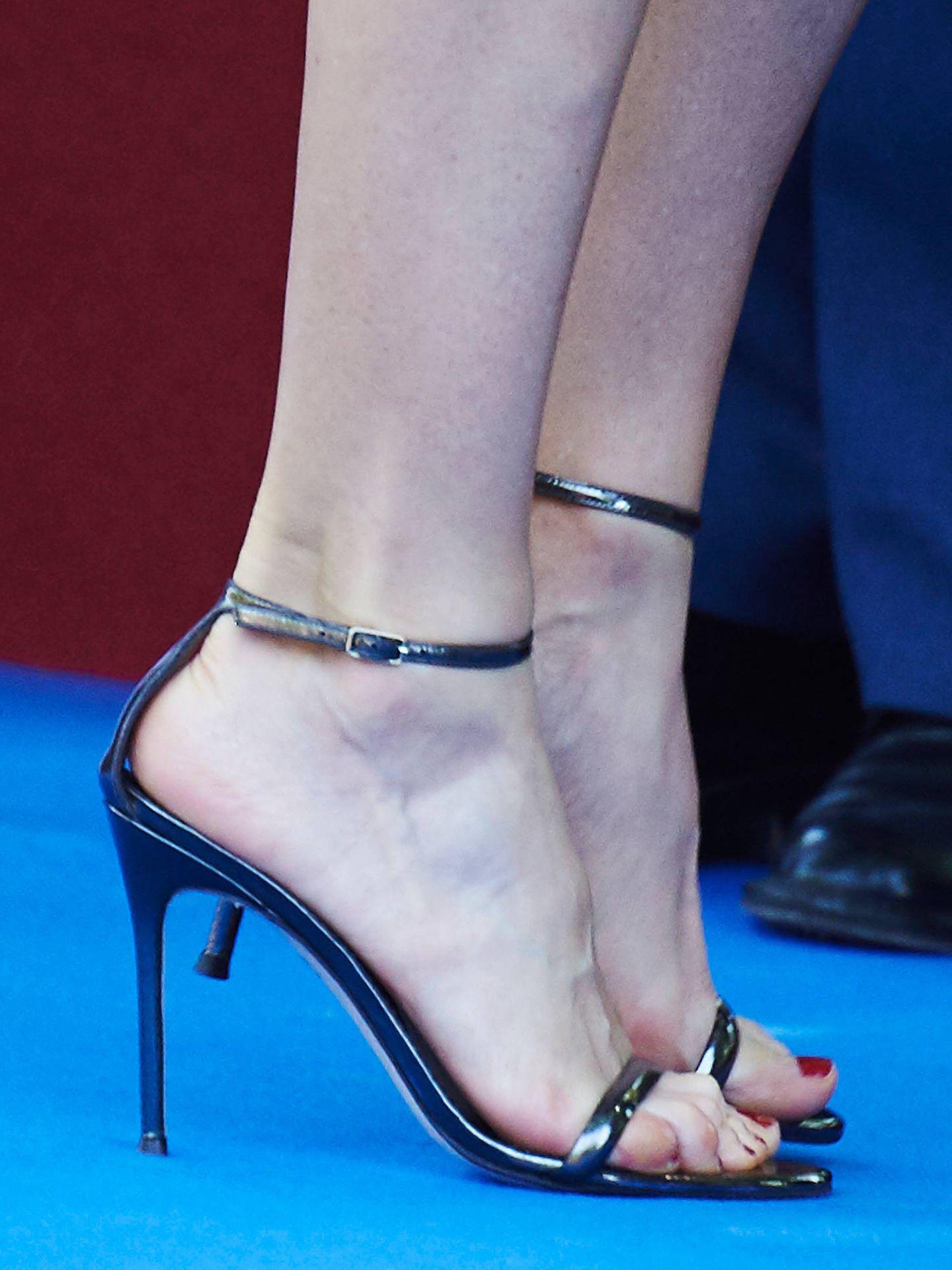 La Reina, con sandalias de Carolina Herrera. (LP)