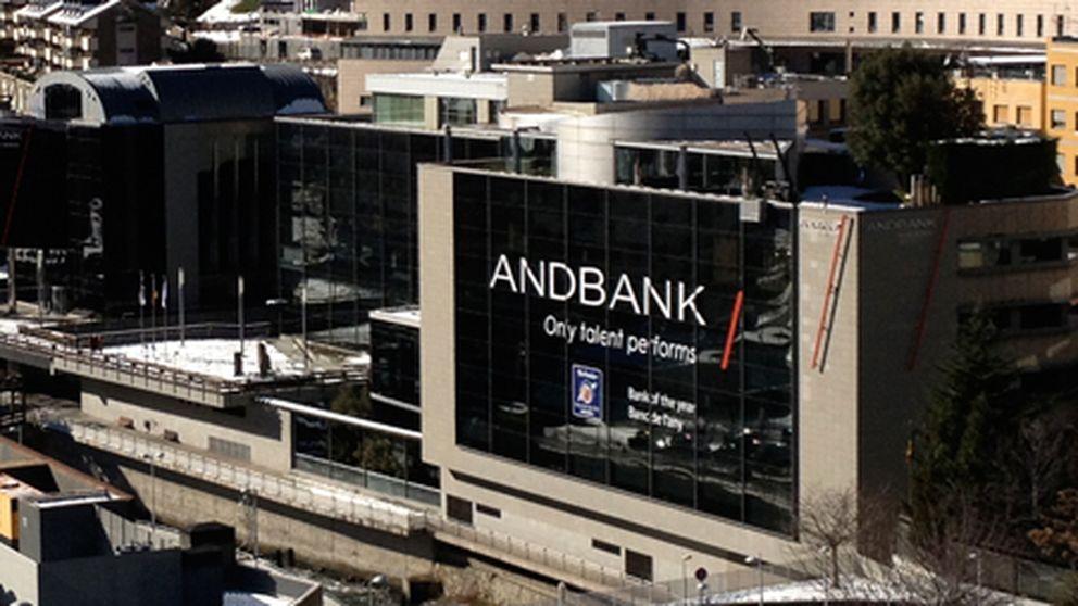 Andbank vende CoCos a sus clientes para financiar Inversis