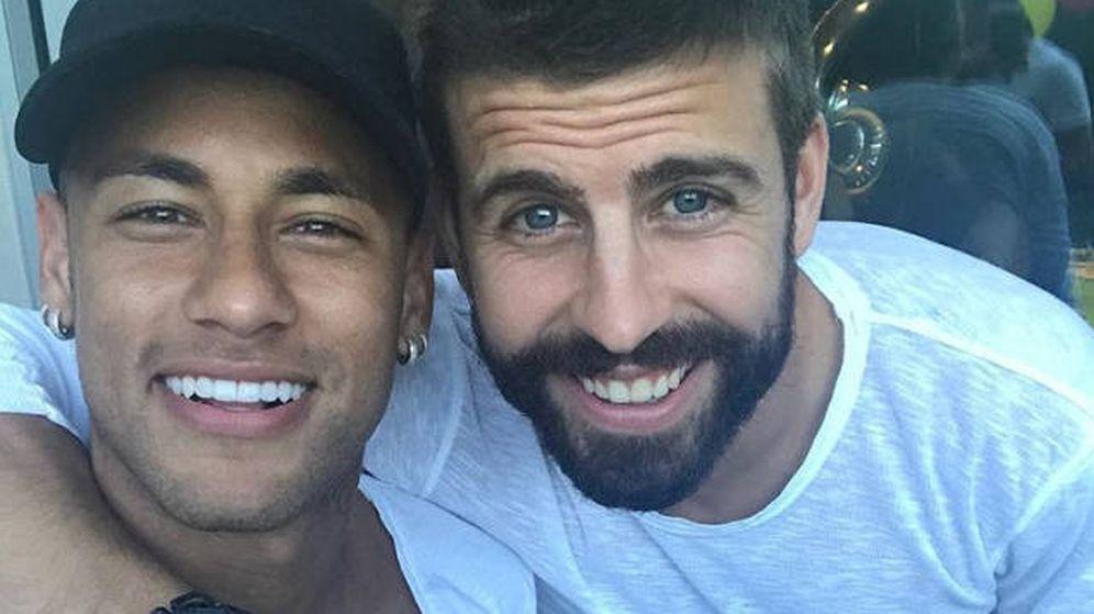 Foto: Piqué, con Neymar, tras la marcha del brasileño al PSG