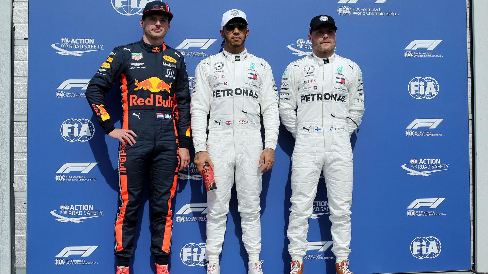 Foto: Hamilton se llevó la pole por delante de Verstappen y Bottas. (Reuters)
