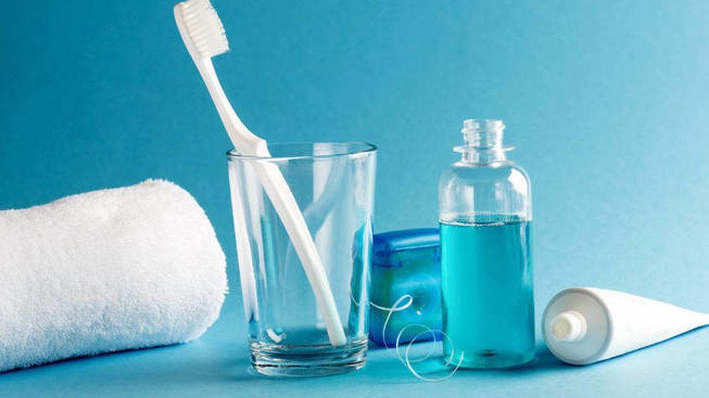 Foto: Pasta de dientes, colutorio, jabón y seda dental  (Foto: iStock)