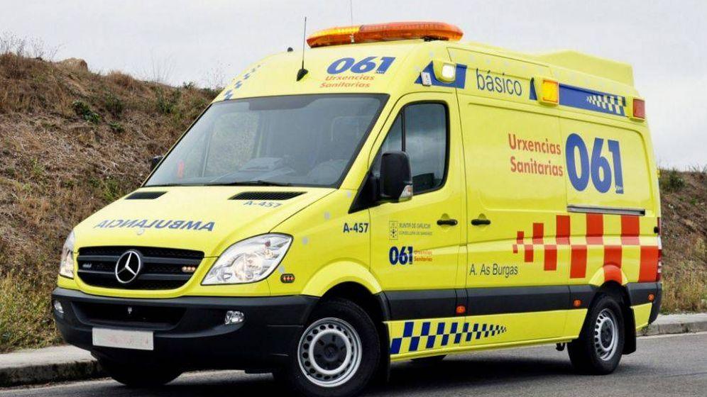 Foto: Ocho heridos en un accidente múltiple en Fragoso de Vigo. (Urxencias Sanitarias 061)