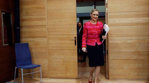 Rubio platino: Cristina Cifuentes reaparece con un cambio de look