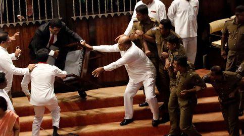 Gritos y empujones en el caótico parlamento de Sri Lanka
