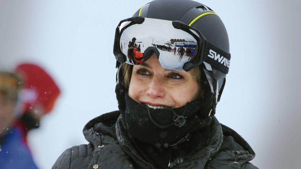 Foto:  La reina Letizia esquiando en una imagen de archivo. (Gtres)