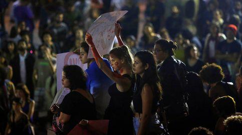 ¿Practicas sexo en grupo? Parte de Brasil culpa a la joven de la violación masiva