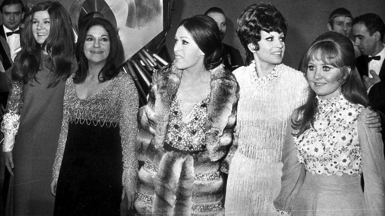 Salomé con Massiel y otros participantes de Eurovisión 1969, que se celebró en Madrid. (Cordon Press)