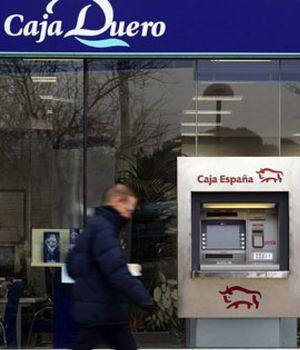 Caja España pierde 2.557 millones de euros en 2012 tras provisionar casi 3.000 millones