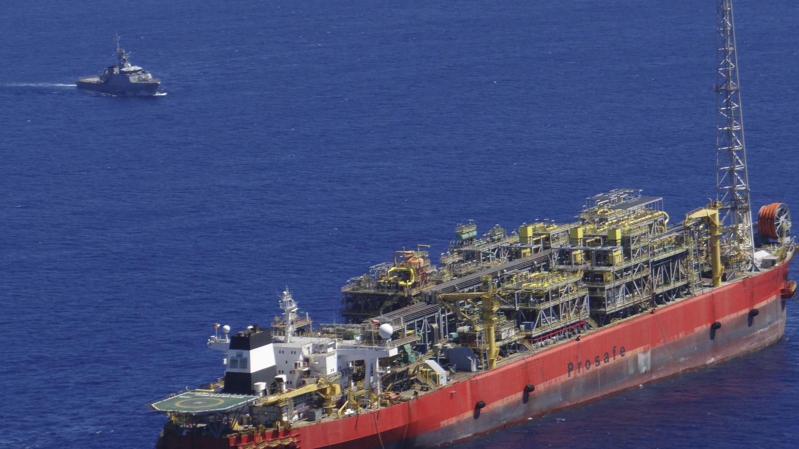 Foto: Foto de un buque petrolero (Reuters)