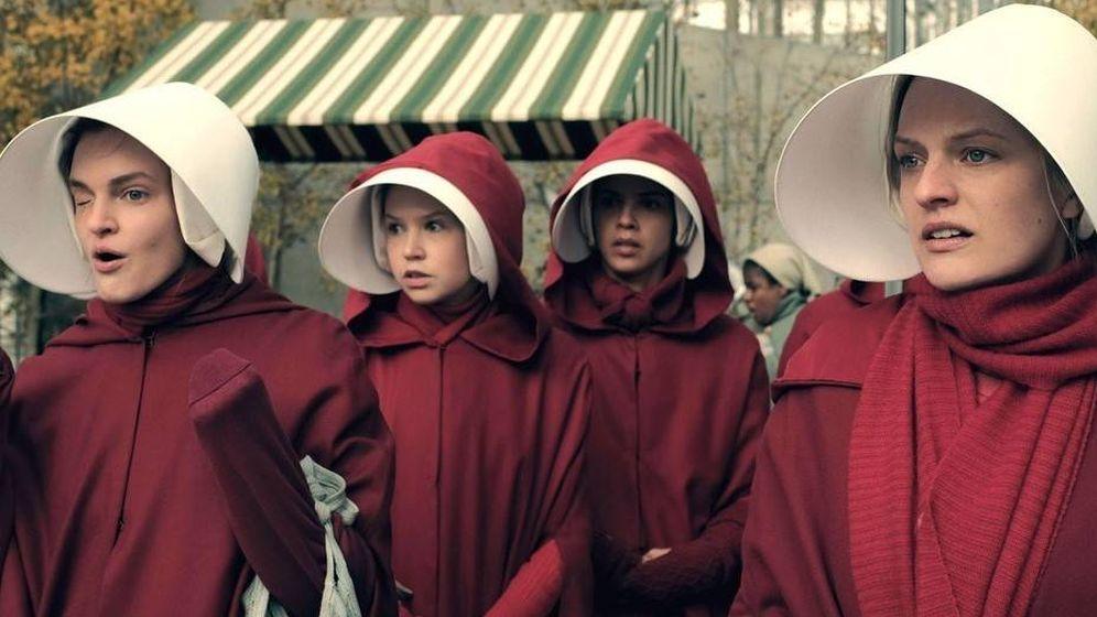 Foto: Imagen promocional de la serie 'El cuento de la criada'.