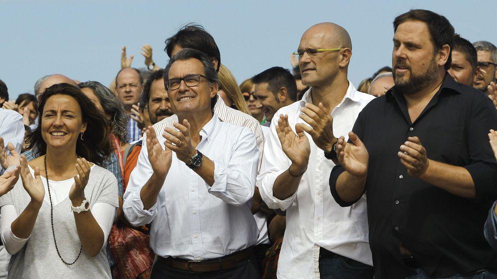 Junts pel sí anuncia un Banco Central, Seguridad Social y un Correos para Catlauña