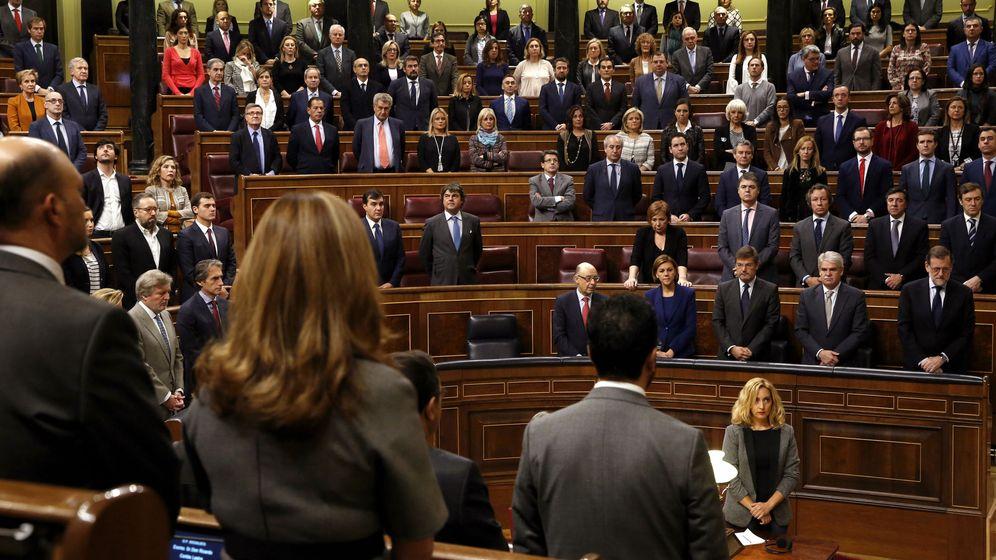 Foto: El Congreso de los Diputados guarda un minuto de silencio en memoria de la exalcaldesa de Valencia y senadora, Rita Barberá (Efe).