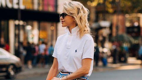 La batalla de estilo del verano se libra entre dos prendas: camisetas vs. polos