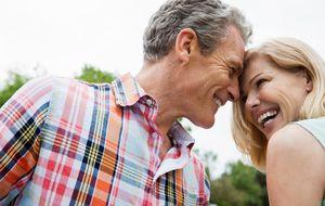 Cómo una pareja puede ser feliz para siempre, según la ciencia