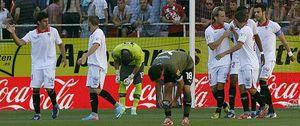 El Sevilla se aferra a Europa con una goleada incontestable sobre el Espanyol