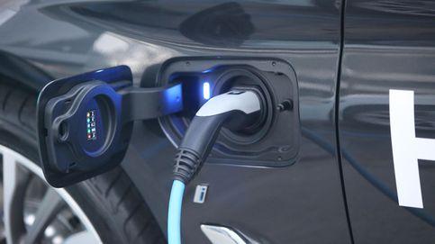 Réquiem por el diésel en la feria del coche eléctrico: No he vendido ni uno este mes