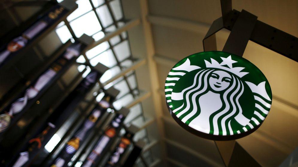 Foto: Una cafetería de Starbucks en el aeropuerto de Los Ángeles. (Reuters)