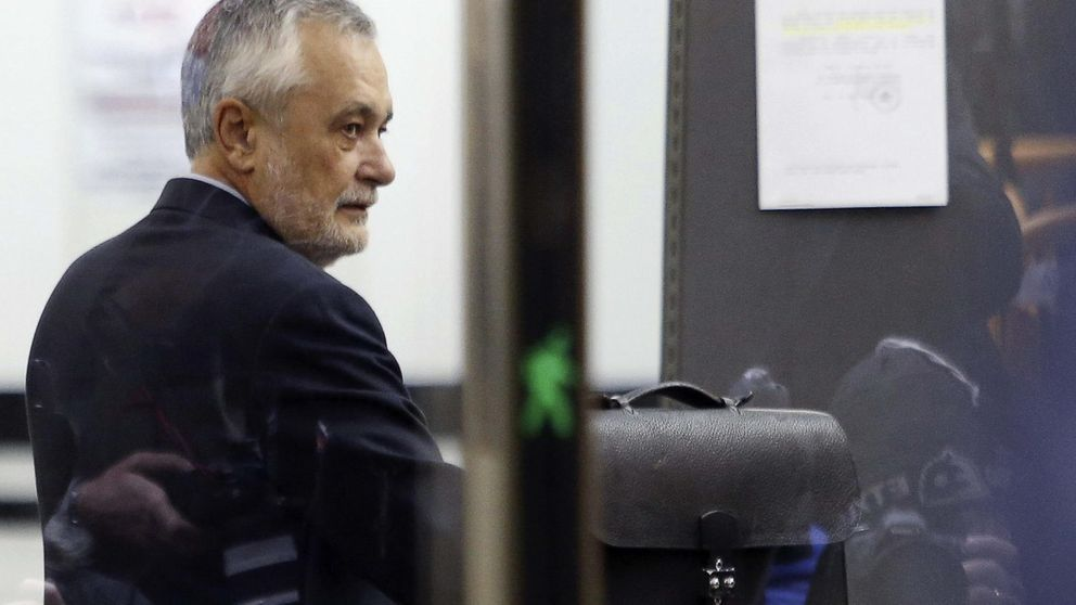 Griñán se desvincula de los ERE: El Parlamento aprobó las partidas