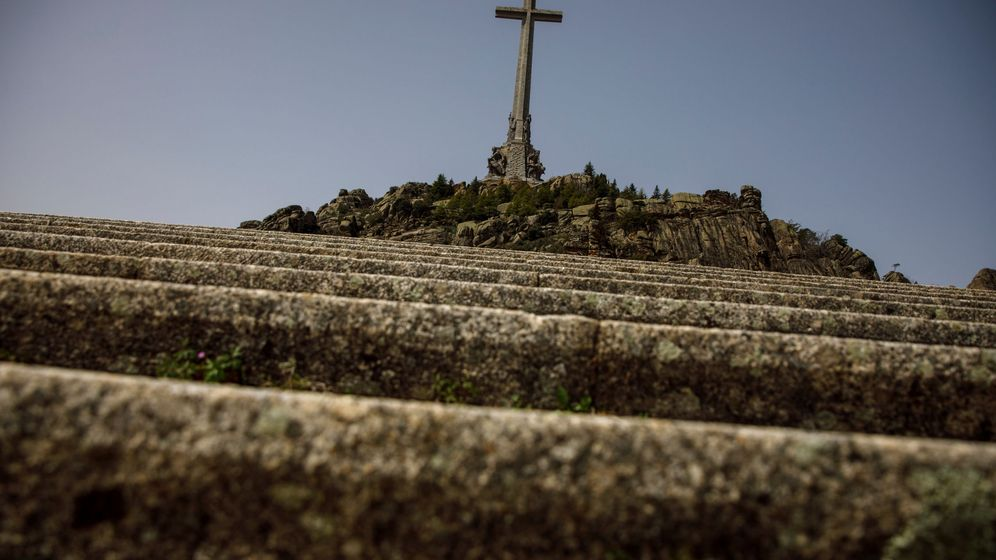 Foto: Vista general de la cruz del Valle de los Caídos   Reuters