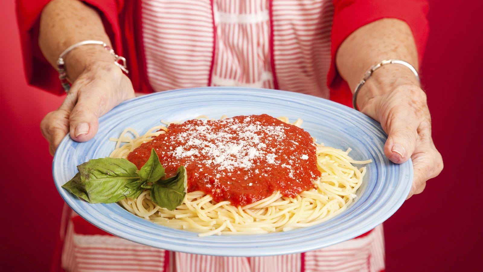 Recetas: La forma correcta de preparar los espaguetis (como si ...