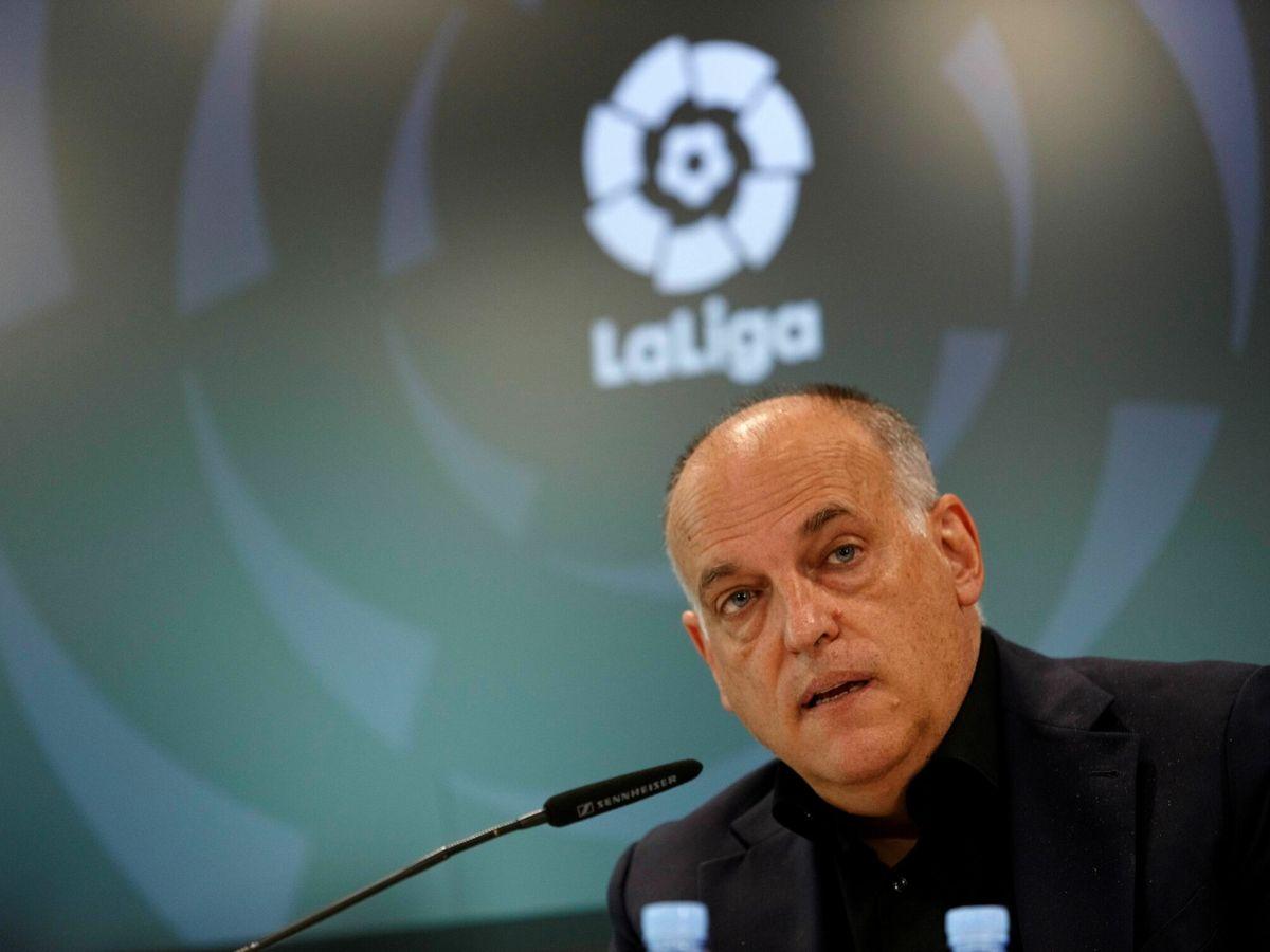 Foto: Javier Tebas tras aprobar el acuerdo con CVC. (EFE)