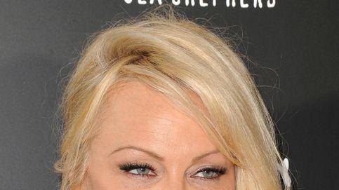 Pamela Anderson celebra sus 50 años ¿por sevillanas?