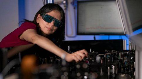 Las revolucionarias gafas con nanocristales que convierten la noche en día